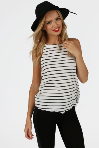 dora-monochrome-striped-scalloped-hem-top-2