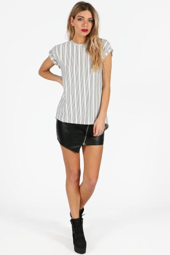 quintana-monochrome-striped-cap-sleeve-winged-back-top-3
